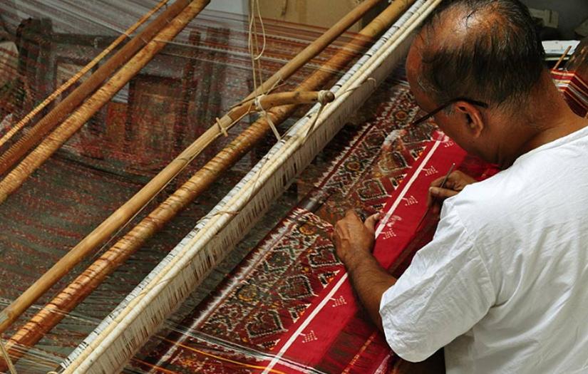 Salvi craftsmen to Patan