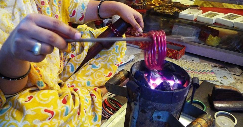 Lac Work Jaipur Maniharon Ka Rasta Process Of Making Lac Gaatha