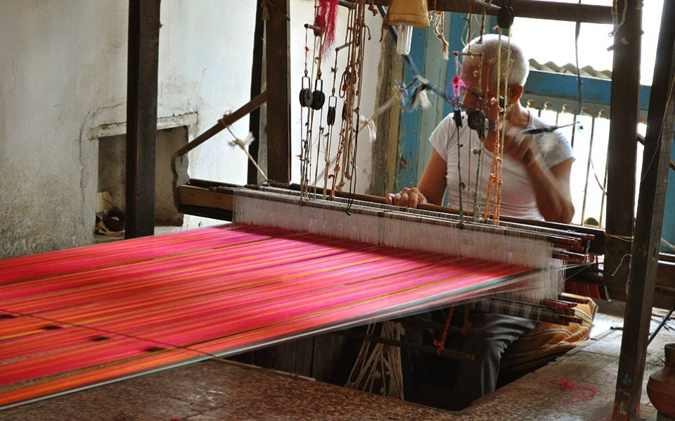 Mashru weaving, Craft of Gujarat, Patan, India | Gaatha   गाथा