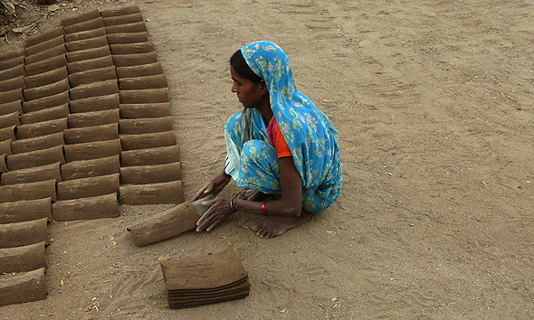 Mud-tile-making-india