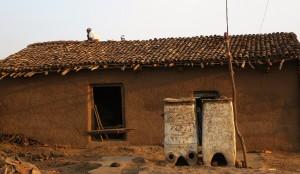 Mud-tile-on-the-roof-india