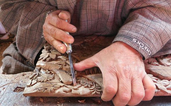Carving-process-walnut