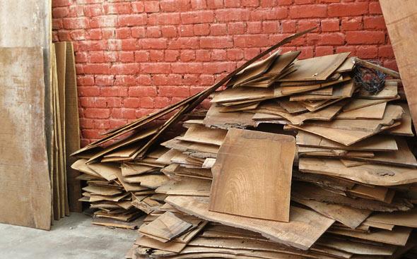 Walnut-wood-process-of-drying-wood