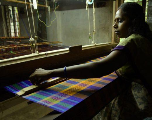 women weaving koorainadu sari