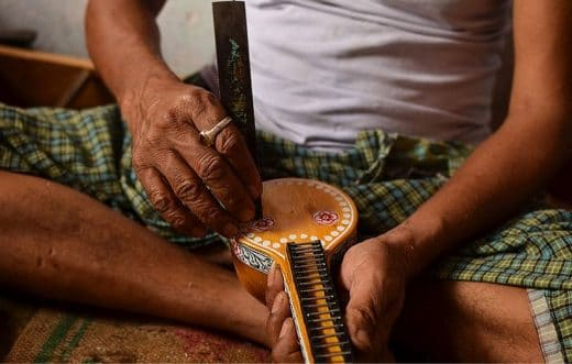 Art of bobli veena making