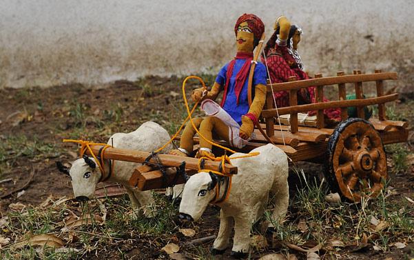 Doll bullock cart