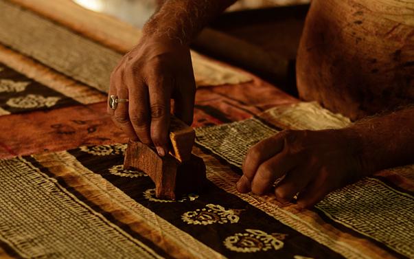 Bagru craftsmen printing