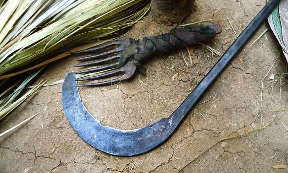 broom-making-tools