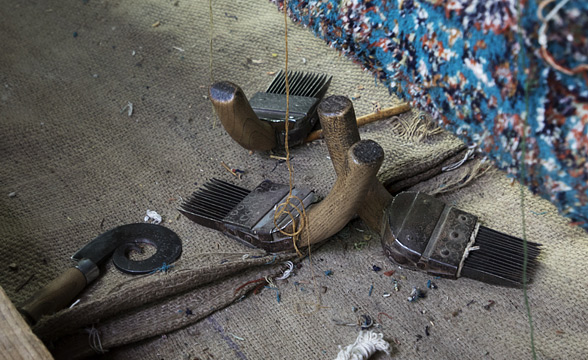 carpet-weaving-tools-kashmir