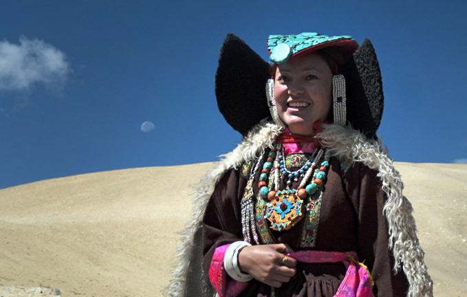 changpa-women-in-traditional-dress