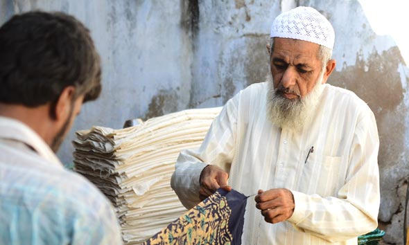 craftsmen-batic-crafts-mundra