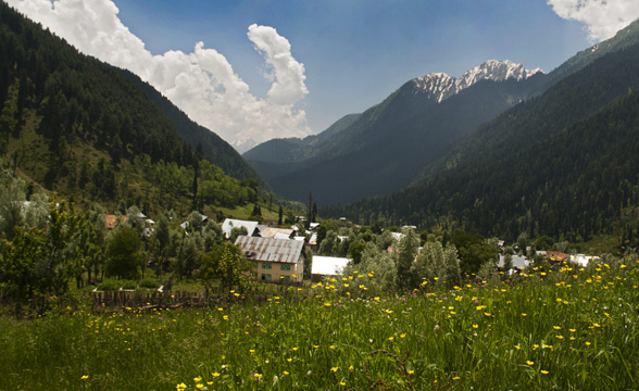 kashmir-vally-village
