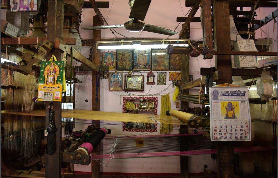 Pattunulkarar – The Silk Weaver