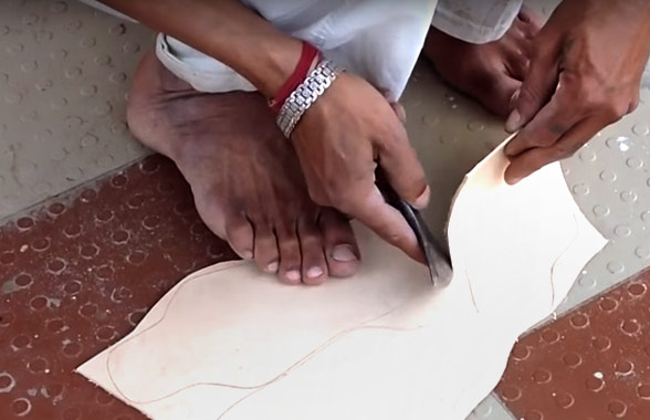 making-kolhapuri-chhapal