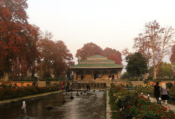 mugal-garden-srinagar