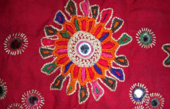 muthwa-embriodrey-motifs