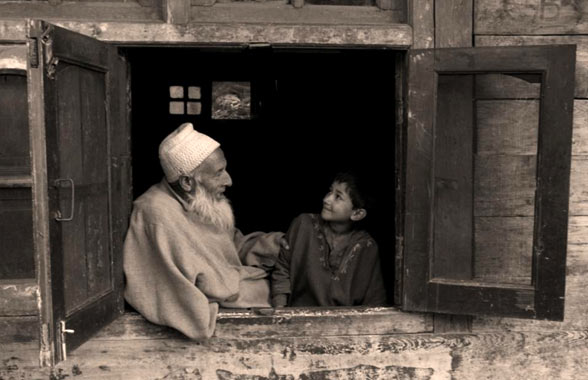 old-man-srinagar