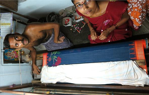 ponduru-saree-weaver-couple