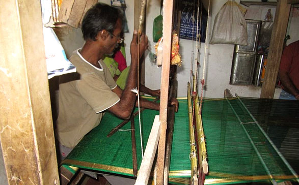 weaving-process-patola
