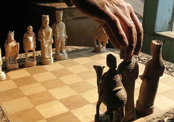 wooden-chess-kashmir